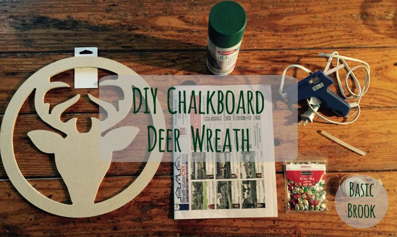 DIY Chalkboard Deer Wreath | Holiday Crafts